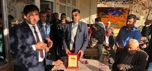 Mahalle muhtarlığından Başkan Çiğdem'e teşekkür plaketi