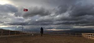 Dinek Dağı turizme kazandırılıyor Dinek Dağı'nın zirvesine 7 metrelik salıncak