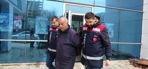 """""""Çakma yeğen"""" Bursa polisinden kaçamadı """"Rauf Denktaş'ın yeğeniyim"""" diyerek aldığı paralarla kayıplara karışan şüpheli adliyede"""