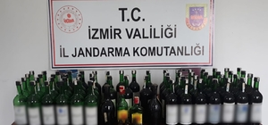 İzmir'in turistik mahallesinde kaçak içki operasyonu