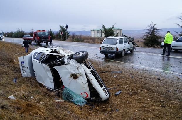 Kastamonu'da iki otomobil çarpıştı: 1 ölü, 2 yaralı Köy muhtarı, kazada hayatını kaybetti