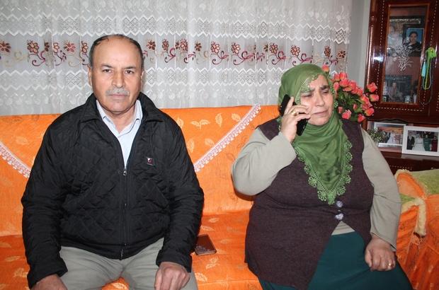 """'Evlat nöbeti'ndeki Hüsniye Kaya kızına kavuştu HDP il binası önünde evlat nöbeti tutan Hüsniye Kaya, kızı Mekiye'ye kavuştu Anne Hüsniye Kaya: """"Devletim için canımı feda ederim. Bana kızımı getirdiler"""""""