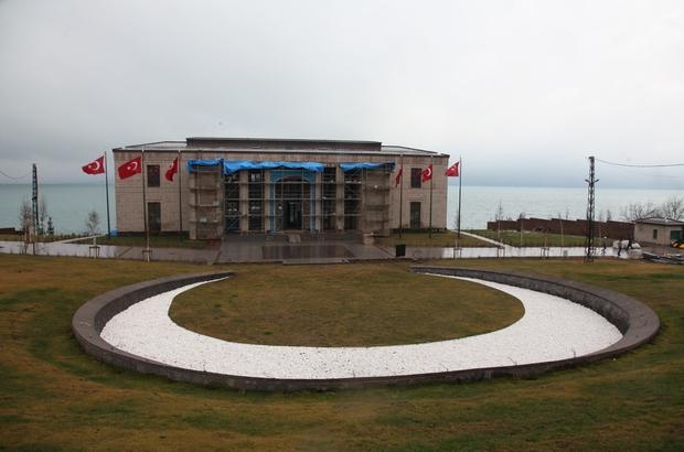 """Ahlat'taki Cumhurbaşkanlığı Köşkü tamamlanıyor AK Parti Genel Başkan Yardımcısı ve İstanbul Milletvekili Vedat Demiröz: """"Köşk bittiğinde çok güzel bir eser olarak ortaya çıkacak inşallah"""""""