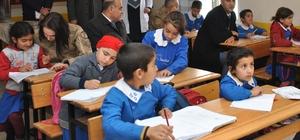 Kadın astsubaylardan okul ziyareti
