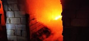 Muradiye'de odunluk ve tandır evi   yangını