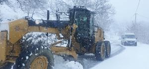 Aydın'da karla yılın ilk mücadelesi Başkan Çerçioğlu acil müdahale ekiplerinin kış boyunca hazır bekletileceğini söyledi