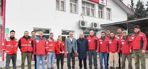 """Vali Demirtaş: """"Hayat normale dönene kadar çalışacağız"""" Adana Valisi Mahmut Demirtaş: """"Sel felaketinin yaşandığı mahallelerde iş birliği içinde tüm imkanlarımızı seferber ederek vatandaşlarımızı yalnız bırakmadık"""" """"Seyhan, Yüreğir ve Sarıçam'da su taşkınlarından zarar gören hanelere toplam 4 milyon 109 bin TL nakdi yardım gerçekleştirdik"""""""