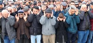 İzmir'de öldürülen kadın Sivas'ta toprağa verildi