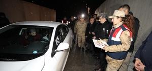 Van Valisi Bilmez, yeni yıla nöbete giren güvenlik güçlerini ziyaret etti