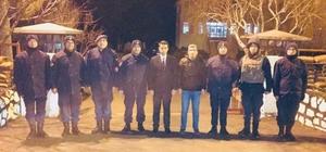 Jandarma ve polis kontrol noktalarını denetledi, nöbetçi Hastane personelinin yeni yılını kutladı