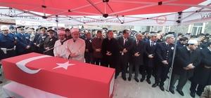 Çorumlu şehit son yolculuğuna uğurlandı Cenaze törenine Milli Savunma Bakan Yardımcısı Muhsin Dere'de katıldı Şehit askerin dayısının 2002 yılında şehit düştüğü öğrenildi
