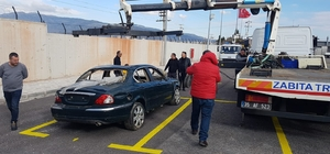 İzmir'de hurda araçlar artık otoparka çekiliyor