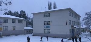 Bursa'nın Büyükorhan ilçesine yılın ilk karı düştü