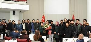 Öğrencilerden meclis toplantısında anlamlı ziyaret