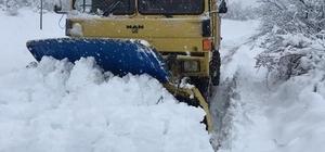 Pazaryeri'nde Karayolları ekipleri 24 saat kar nöbetinde