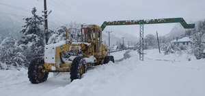 Akseki ve Elmalı'da kapanan mahalle yolları açıldı