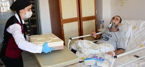 """DÜ Hastaneleri Başhekimi Prof. Dr. Kadiroğlu'ndan organ bağışı çağrısı Prof. Dr. Ali Kemal Kadiroğlu: """"28 bin vatandaşımız organ bağışı beklemektedir ve organ bağışı hayat kurtaran bir tedavi şeklidir"""" """"Beyin ölümü gerçekleşmiş hastaların organ bağışı yapılmaksızın toprağa gömülmesi büyük israf ve günahtır"""""""