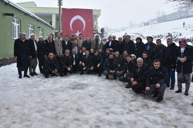 Karacadağ zirvesinde kar altında muhtarlarla buluşma Bağlar Belediyesi daha iyi hizmet vermek için muhtarlarla whatsap hattı kurdu