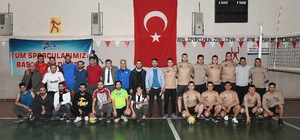 Çatak'ta 5. geleneksel voleybol turnuvası başladı