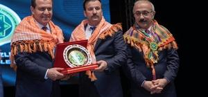 """Seçer: """"Mersin'de tarıma katkı sunacağız"""" Mersin Büyükşehir Belediye Başkanı Vahap Seçer: """"Girdi maliyetleri sorunların başında geliyor"""""""