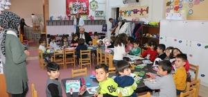 Anaokulu öğrencilerine Başkan Orhan sürprizi Başkan Orhan; Geleceğimiz emin ellerde