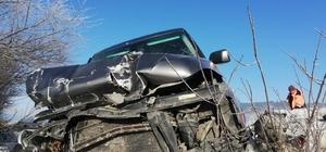 Otomobil çekiciye çarptı; 1 yaralı