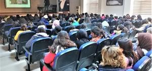 Aydın polisi 5 bin gence 'Güvenli İnternet ve Sosyal Medya Bağımlılığını' anlattı