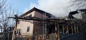 Pazaryeri'nde ev yangını