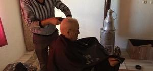 Aslanapa'da yaşlı ve engelli vatandaşlara evde traş hizmeti