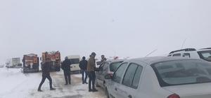 Darende'de kar etkili oluyor Şehirler arası yolda ulaşımda aksama yaşanıyor