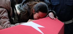 """Şehit kardeşini """"Kahramanım"""" diyerek uğurladı Eskişehirli şehit son yolculuğuna gözyaşları içinde uğurlandı"""