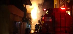 Bursa'da 2 katlı ev alev alev yandı 2 katlı müstakil ev yangının ardından kullanılamaz hale geldi