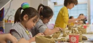 Karesi'de çocuklar sanat öğreniyor