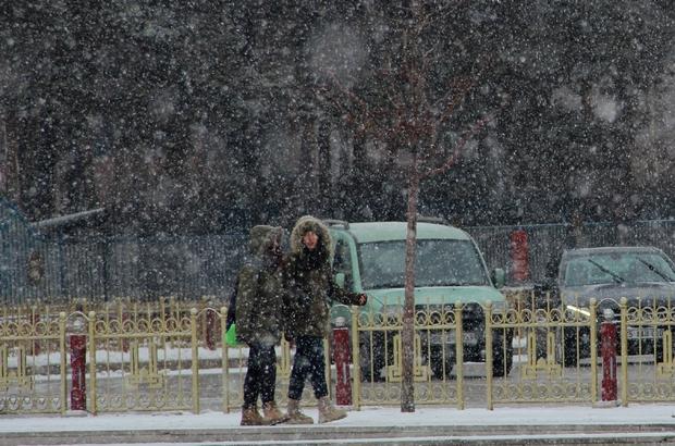 Erzurum'da kar yağışı etkili oldu ile ilgili görsel sonucu