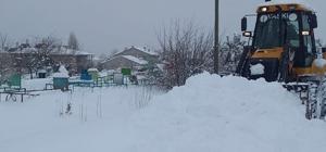 VASKİ ekiplerinden karla mücadele çalışması