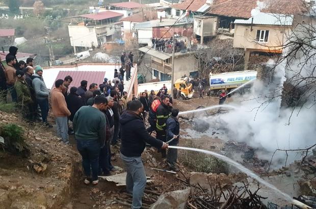 Aydın'da yangın felaketi Bir evde başlayan yangın çevredeki 7 eve sıçradı ekipler köyü kurtarmak için zamanla yarıştı