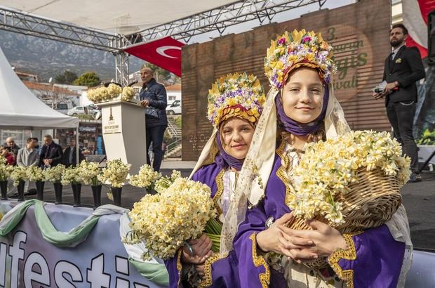 Karaburun sokakları nergis koktu İzmir'de 3. Karaburun Nergis Festivali