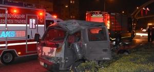 İzmir'de zincirleme kaza: 2'si ağır 3 yaralı İzmir'de 3 araç birbirine girdi