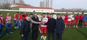Çavdarhisarspor şampiyonluk kupasını aldı