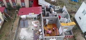Evlerinin çatısı uçan aileye devlet sahip çıktı