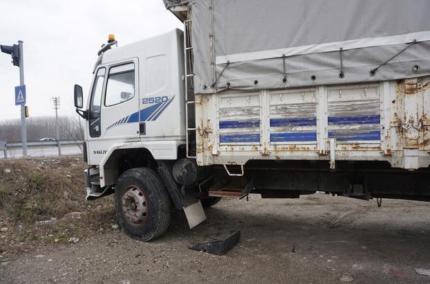 Akyazı'da 8 tır ve kamyonun aküsü çalındı