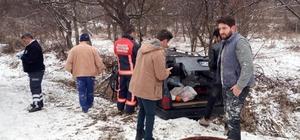 Otomobil buzlanan yolda kaza yaptı: 5 yaralı