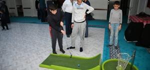 Kur'an kursunda öğrenciler için kriket ve golf etkinlikleri