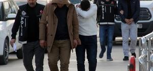 3 torbacı tutuklandı Adana'da iki ayrı operasyonda 3.58 gram bonzai ile yakalanan 3 zanlı tutuklandı