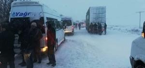 Kayseri-Ankara ve Kayseri-Niğde yolu kar yağışı nedeniyle trafiğe kapatıldı