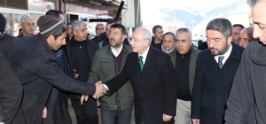 CHP Lideri Kemal Kılıçdaroğlu, Malatya'da deprem bölgesinde Kılıçdaroğlu bölgenin afet bölgesi ilan edilmesini istedi