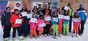 Sunar'dan öğrencilere belge ödülü Sunar Palandöken spor vizyonunu paylaştı