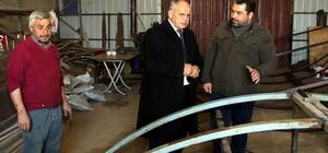 Başkan Öztürk belediye üretim atölyesini gezdi