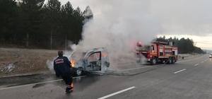 Konya'da hafif ticari araç alev alev yandı