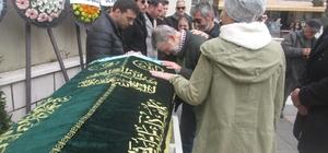 Yeşilçam'ın ünlü ismi büyük acı yaşadı Ahmet Mekin'in eşi Kumral Şükran Kurteli son yolculuğuna uğurlandı